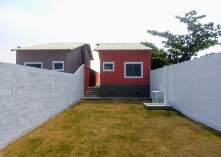 Casa abaixou prá vender logo!! Casa linda em Itaipuaçu!!